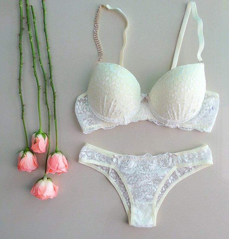 Conjunto lingerie com alça em joia