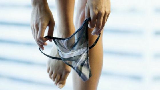 Porque mulheres usam calcinha fio dental.png