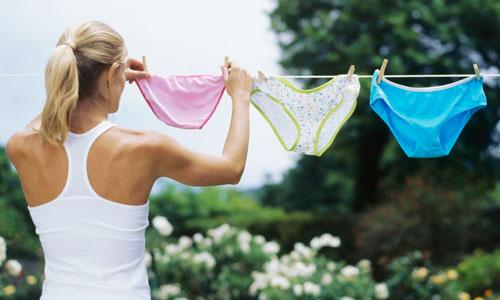 661f99ef4 A forma como cuidamos e lavamos nossa lingerie determina seu tempo de vida.  Nem sempre o desgaste de uma peça está associado à baixa qualidade do  tecido ou ...